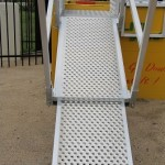 Telescoping adjustable access platform for use with LITE guard Trench Shields
